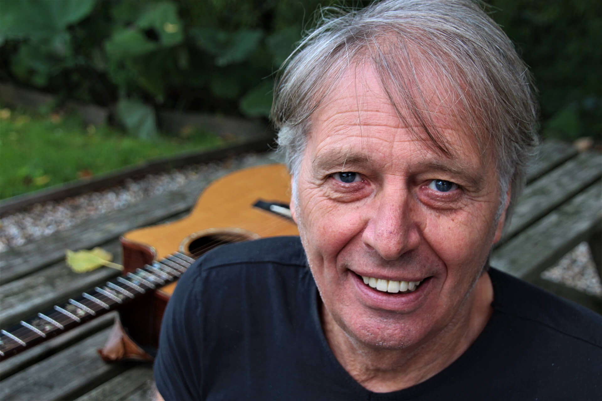 Harry Sacksioni – 'Dankzij een panna werd het de gitaar'